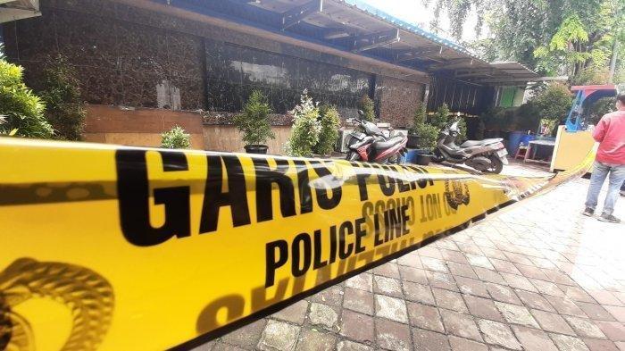 Pembunuhan Lihat Bripka CS Tembak Mati 3 Orang Tembakan Wanita Ini Menangis Keluar Kafe